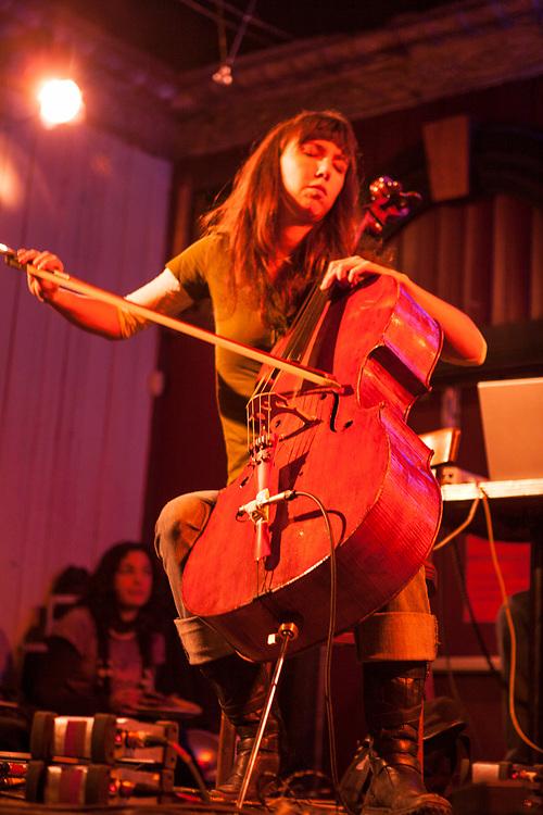 5 à 7 bandpoésie à la Casa. Magnolia (Mélanie Auclair).  8 février 2008 6 février 2008