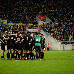 The All Blacks huddle together during Round 2 of the Investec Rugby Championship match between the New Zealand All Blacks and the Australian Wallabies at Westpac Stadium in Wellington, New Zealand on Saturday, 27 August 2016. Photo: Marco Keller / www.lintottphoto.co.nz