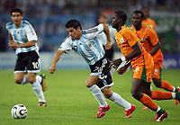 Hamburg 10/6/2006 World Cup 2006<br /> <br /> Argentina Cote d'Ivoire - Argentina Costa d'Avorio 2-1<br /> <br /> Photo Andrea Staccioli Graffitipress<br /> <br /> Juan Saviola Argentina Emmanuel Eboue Cote d'Ivoire