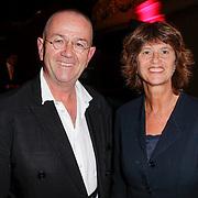 NLD/Amsterdam/20120911- Presentatie DVDbox 125 jaar Carre, Hans Liberg en zus