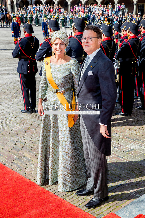 Prince Constantijn and Princess Laurentien of The Netherlands arrive with the Glass Coach at the Ridderzaal during Prinsjesdag in The Hague, The Netherlands, 19 September 2017. Prinsjesdag is the annual opening of the parliamentary year. Photo: Patrick van Katwijk