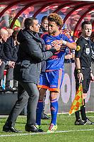 UTRECHT - FC Utrecht - Feyenoord , Voetbal , Seizoen 2015/2016 , Eredivisie , Stadion de Galgenwaard  , 28-02-2016, Speler van Feyenoord Tonny Vilhena (r) toont zijn support aan  Giovanni van Bronckhorst (l) na de goal voor 1-1