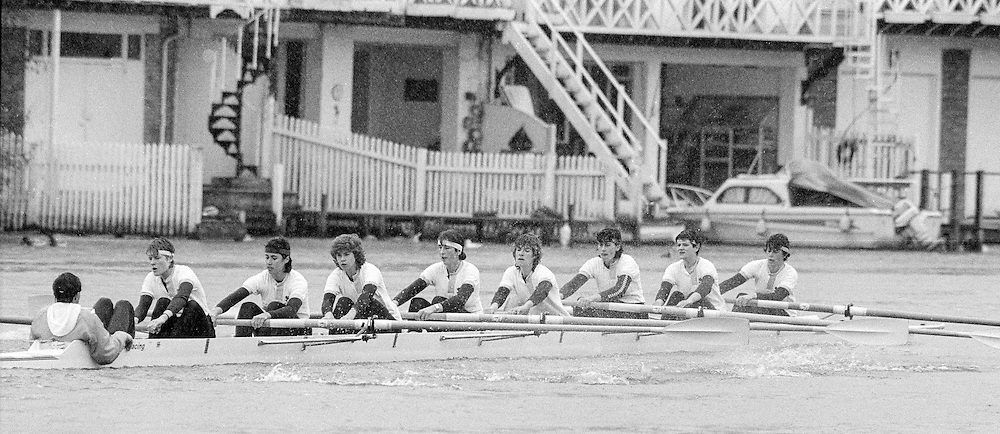 Henley on Thames. GREAT BRITAIN,   <br /> CUWBC.<br /> Varsity Women's Boat Race.Henley Reach, Annual race between Oxford University Women's Boat Club and Cambridge University Women's Boat club, Raced along henley reach. Sunday 22.03.1987,<br /> <br /> [Mandatory Credit, Peter Spurrier / Intersport-images]<br /> Varsity Women's Boat Race.Henley Reach, Annual race between Oxford University Women's Boat Club and Cambridge University Women's Boat club, Raced along henley reach. Sunday 22.03.1987,<br /> <br /> [Mandatory Credit, Peter Spurrier / Intersport-images] 1987 Henley Boat Races.