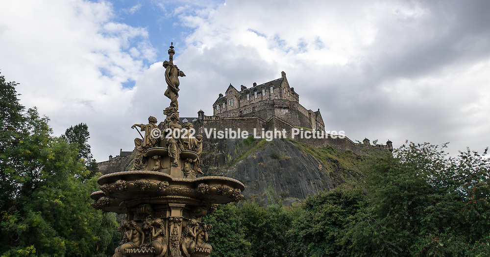 Sue took this awesome photo of the Edinburgh castle in the background, park fountain in front.