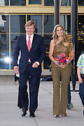 Koninklijk paar aanwezig bij opening Holland Festival 2019, het 72e Holland Festival in Theater Amsterdam<br /> <br /> Royal couple present at opening of Holland Festival 2019, the 72nd Holland Festival in Theater Amsterdam<br /> <br /> Op de foto / On the photo:  Koning Willem-Alexander en Koningin Maxima / King Willem Alexander and Queen Maxima