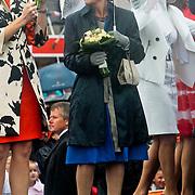 NLD/Wemeldinge/20100430 -  Koninginnedag 2010, Maxima en margriet