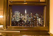 New York. room with a view in the the hotel Affinia Dumont. panoramic view on midtown skyline  and  the chrysler building / vue panoramique sur les gratte ciel de midtown , le Chrysler building, gratte-ciel vue depuis une chambre de l hotel Affinia Dumont  New York - Etats-unis