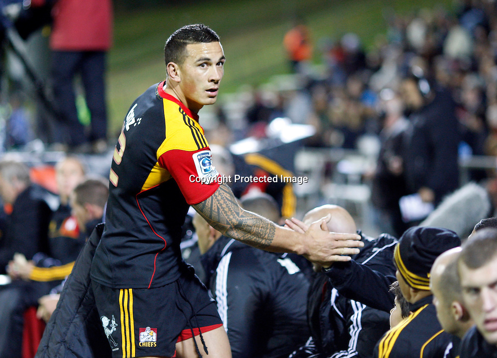 Chiefs Sonny Bill Williams rutrns to the bench. Super 15 Rugby, Chiefs v Lions, Growers Stadium Pukekohe, Saturday 5th May 2012. Photo: Shane Wenzlick / www.photosport.co.nz