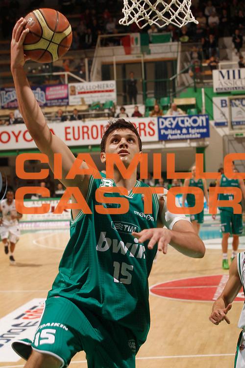 DESCRIZIONE : Siena Lega A 2010-11 Montepaschi Siena Benetton Treviso<br /> GIOCATORE : Alessandro Gentile<br /> SQUADRA : Benetton Treviso<br /> EVENTO : Campionato Lega A 2010-2011<br /> GARA : Montepaschi Siena Benetton Treviso<br /> DATA : 27/04/2011<br /> CATEGORIA : tiro<br /> SPORT : Pallacanestro<br /> AUTORE : Agenzia Ciamillo-Castoria/P.Lazzeroni<br /> Galleria : Lega Basket A 2010-2011<br /> Fotonotizia : Siena Lega A 2010-11 Montepaschi Siena Benetton Treviso<br /> Predefinita :
