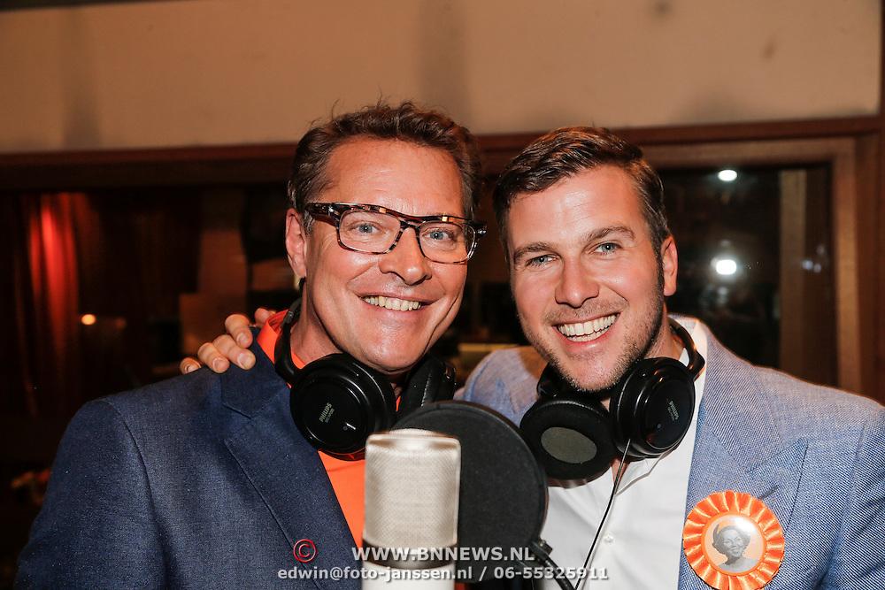 NLD/Amsterdam/20130409 - Inzingen Bedanklied voor Beatrix, Winston Gerstanowitz en Albert Verlinde
