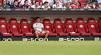 Fussball International Audi Cup 2019   Saison 2019/2020   30.07.2019 Halbfinale Real Madrid - Tottenham Hotspur Toni Kroos (Real Madrid) sitzt alleine auf der Ersatzbank nach seiner Auswechslung