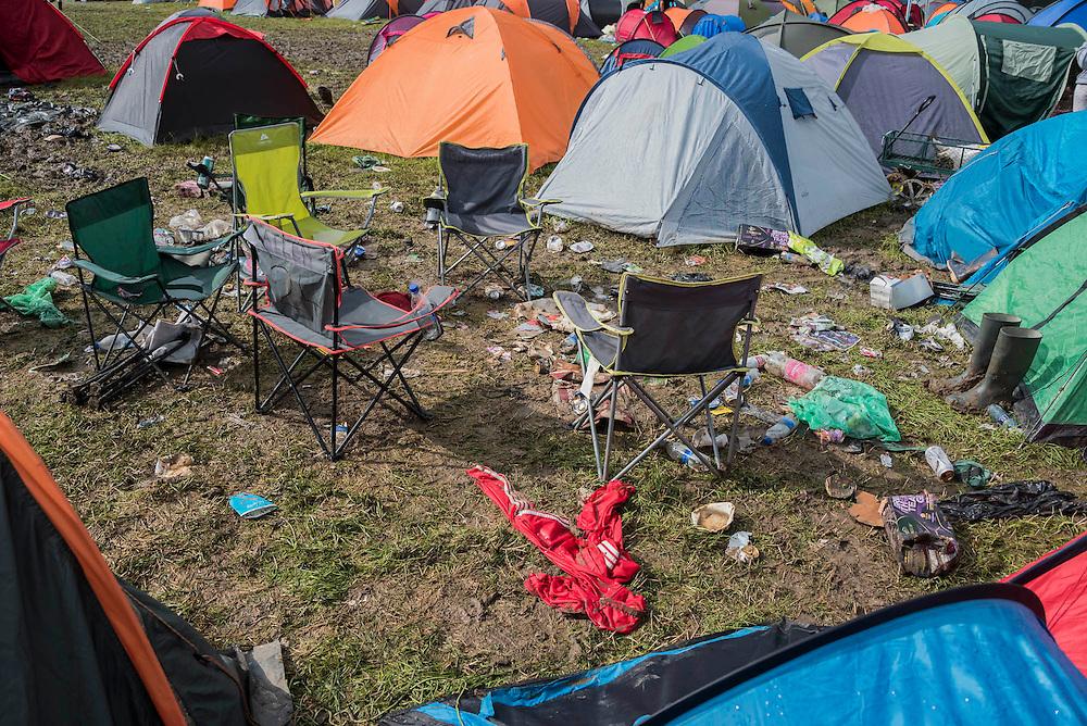 Rubbish is everywhere - The 2016 Glastonbury Festival, Worthy Farm, Glastonbury.