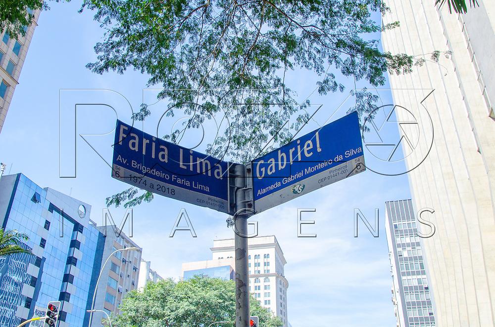 Placa de rua, Av. Brigadeiro Faria Lima com Alameda Gabriel Monteiro da Silva, São Paulo - SP, 07/2016.
