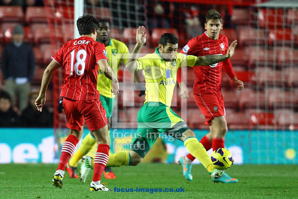 Picture by Paul Chesterton/Focus Images Ltd +44 7904 640267.28/11/2012.Bradley Johnson of Norwich and Jack Cork of Southampton in action during the Barclays Premier League match at the St Mary's Stadium, Southampton.