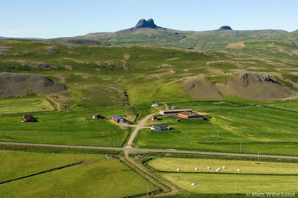 Hríshóll til norðurs, Vaðalfjöll í baksýn, Reykhólahreppur / Hrisholl viewing north. Vadalfjoll peaks in background, Reykholahreppur.