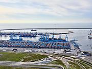 Nederland, Zuid-Holland, Rotterdam, 14-09-2019; Maasvlakte 2 ofwel Tweede Maasvlakte, MV2. Zicht op de APM Terminals aan de Prinses Amaliahaven.<br /> Maasvlakte 2 or Second Maasvlakte, MV2.  View of the APM Terminals at the Prinses Amaliahaven.<br /> <br /> luchtfoto (toeslag op standard tarieven);<br /> aerial photo (additional fee required);<br /> copyright foto/photo Siebe Swart