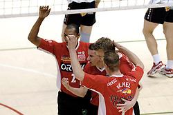 05-03-2006 VOLLEYBAL: FINAL 4 HEREN:  ORION - ORTEC NESSELANDE: ROTTERDAM<br /> In een mooie finale was Nesselande in 3 sets te sterk voor Orion / Albert Cristina, Dirk Jan van Gendt, Jan Willem Snippe en Kristian van der Wel<br /> Copyrights2006-WWW.FOTOHOOGENDOORN.NL