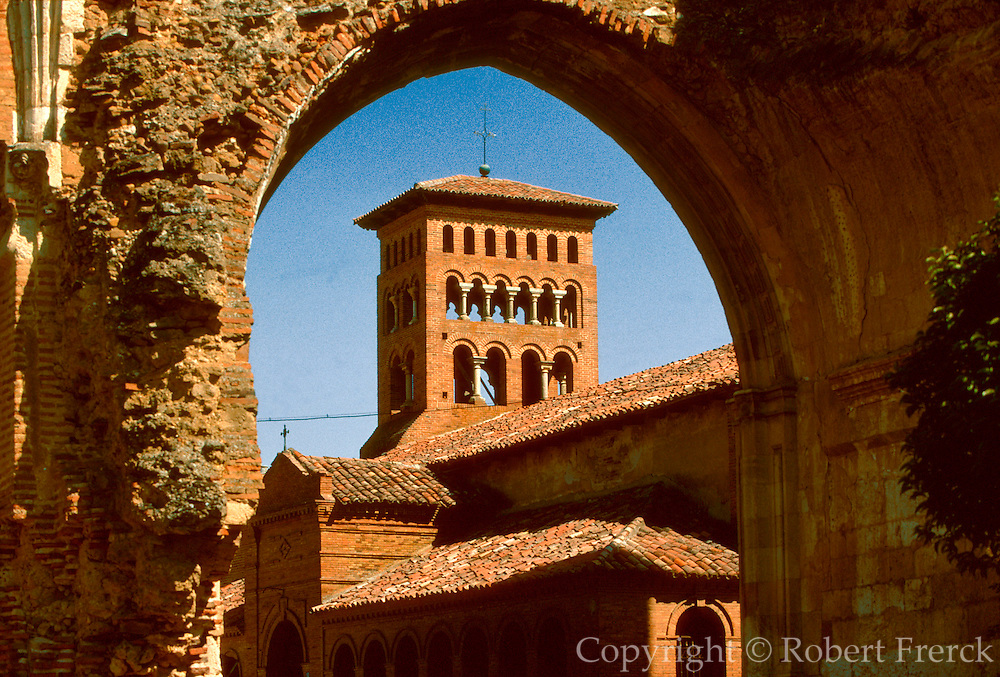 SPAIN, CASTILE and LEON SAHAGUN; San Tirso, a 12th century church with a famous brick belltower built in 'Mudejar' style, near Leon