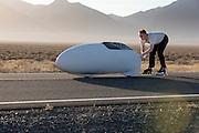 De Cygnus Beta met David Verbroekken wordt gestart. In de vroege ochtend worden de kwalificaties gereden. In de buurt van Battle Mountain, Nevada, strijden van 10 tot en met 15 september 2012 verschillende teams om het wereldrecord fietsen tijdens de World Human Powered Speed Challenge. Het huidige record is 133 km/h.<br /> <br /> The Cygnus Beta with David Verbroekken at the qualification. Near Battle Mountain, Nevada, several teams are trying to set a new world record cycling at the World Human Powered Vehicle Speed Challenge from Sept. 10th till Sept. 15th. The current record is 133 km/h.