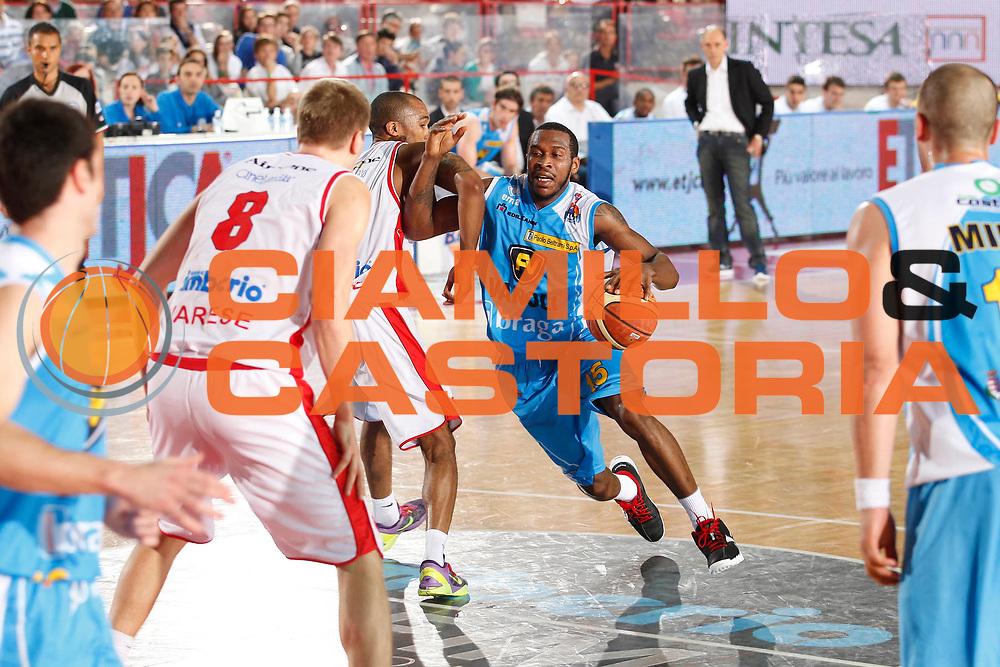 DESCRIZIONE : Varese Campionato Lega A 2011-12 Cimberio Varese Vanoli Braga Cremona<br /> GIOCATORE : Jason Rich<br /> CATEGORIA : Palleggio<br /> SQUADRA : Vanoli Braga Cremona<br /> EVENTO : Campionato Lega A 2011-2012<br /> GARA : Cimberio Varese Vanoli Braga Cremona<br /> DATA : 29/04/2012<br /> SPORT : Pallacanestro<br /> AUTORE : Agenzia Ciamillo-Castoria/G.Cottini<br /> Galleria : Lega Basket A 2011-2012<br /> Fotonotizia : Varese Campionato Lega A 2011-12 Cimberio Varese Vanoli Braga Cremona<br /> Predefinita :