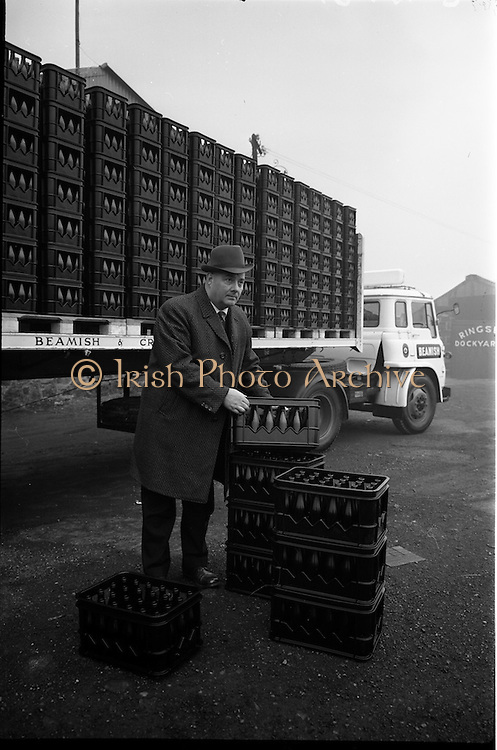 04/03/1964<br /> 03/04/1964<br /> 04 March 1964<br /> Beamish and Crawford Bedford lorry loaded with new style crates at Irish Glass Bottle Co., Ringsend, Dublin.