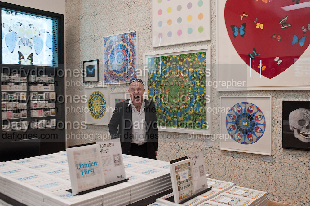 DAMIEN HIRST, Damien Hirst, Tate Modern: dinner. 2 April 2012.