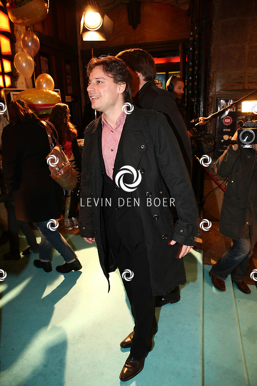 AMSTERDAM - Cas Jansen op de rode loper van de filmpremiere Dik Trom zondag in Amsterdam.  FOTO LEVIN DEN BOER - PERSFOTO.NU