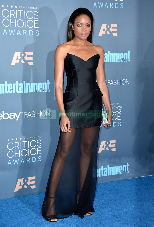 Naomie Harris attends the 22nd Annual Critics' Choice Awards at Barker Hangar on December 11, 2016 in Santa Monica, Los Angeles, CA, USA. Photo By Lionel Hahn/ABACAPRESS.COM