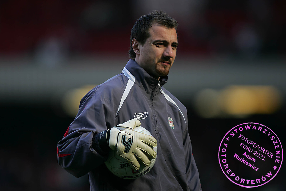Photo: Lee Earle..Liverpool v Manchester United. The FA Cup. 18/02/2006. Liverpool's Jerzy Dudek