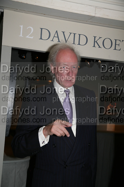 Algy Cluff, Private Preview of the Grosvenor House Art and Antiques Fair. 13 June 2007.  -DO NOT ARCHIVE-© Copyright Photograph by Dafydd Jones. 248 Clapham Rd. London SW9 0PZ. Tel 0207 820 0771. www.dafjones.com.