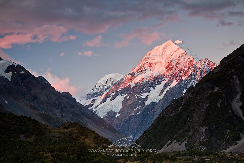 Sunset over Mount Cook (Aoraki), New Zealand