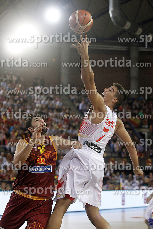 25.08.2015, Palacio de los Deportes de La Rioja, Logrono, ESP, Basketball Testspiel, Spanien vs Mazedonien, im Bild Spain's Guillermo 'Willy' Hernangomez (r) and Macedonia's Pedrag Samardjiski // during a International Basketball Friendly Match between Spain and Macedonia at the Palacio de los Deportes de La Rioja in Logrono, Spain on 2015/08/25. EXPA Pictures &copy; 2015, PhotoCredit: EXPA/ Alterphotos/ Acero<br /> <br /> *****ATTENTION - OUT of ESP, SUI*****