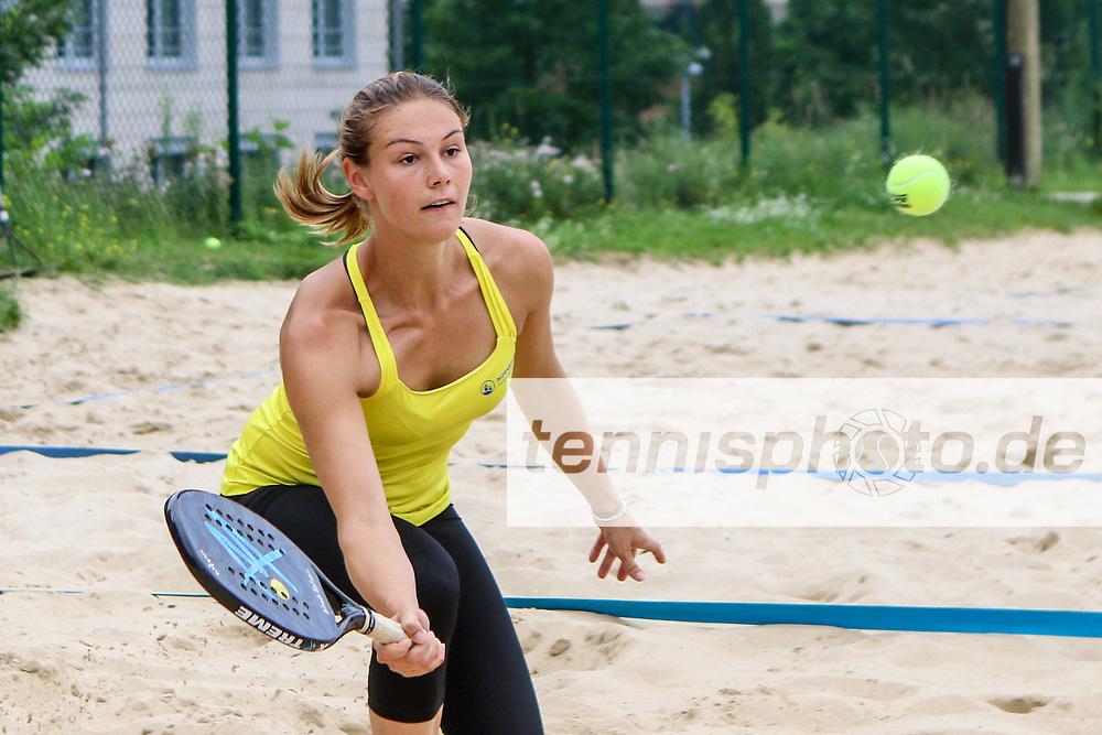 Laura Kemkes (Zehlendorfer Wespen), TVBB Beach-Tennis Liga Sommer 2017, Berlin, 29.07.2017, Foto: Claudio Gaertner