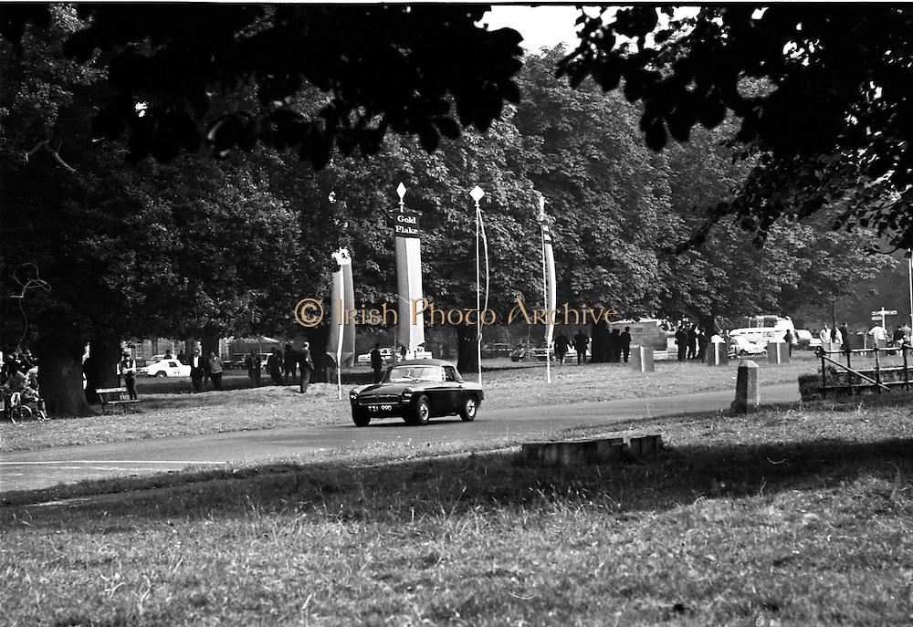 16/09/1967<br /> 09/16/1967<br /> 16 September 1967<br /> Phoenix Park Motor Racing, Kingsway Trophy Race, sponsored by Player and Wills (Ireland) Limited.