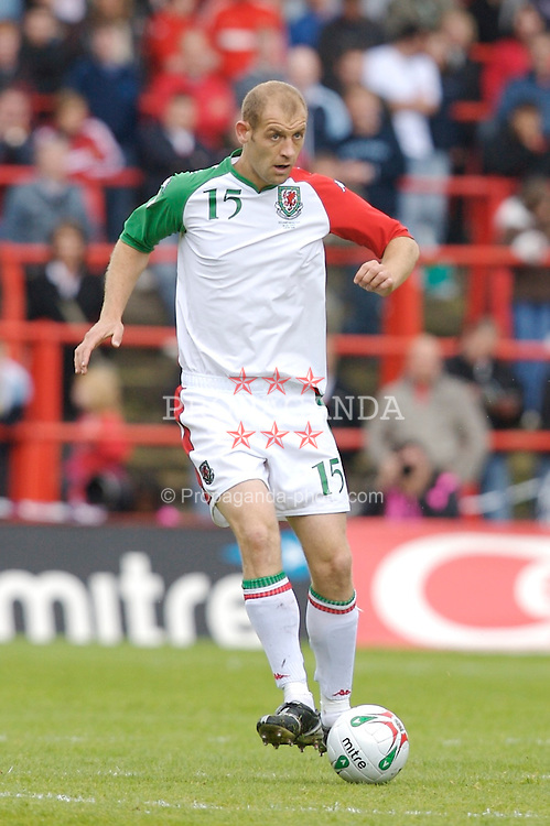 Wrexham, Wales - Saturday, May 26, 2007: Wales' Steve Evans in action against New Zealand during the International Friendly match at the Racecourse Ground. (Pic by David Rawcliffe/Propaganda)
