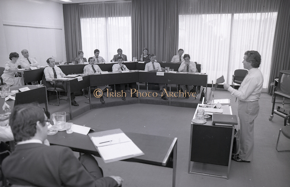 Feargal Quinn addresses I.M.I. students, Dublin,<br />
