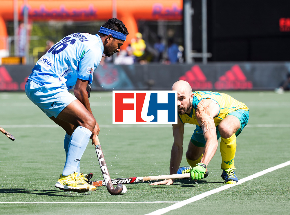 BREDA -  Birendra Lakra (Ind.) met Matthew Swann (Aus) . Australia-India (1-1), finale Rabobank Champions Trophy 2018. Australia wint shoot outs.  COPYRIGHT  KOEN SUYK