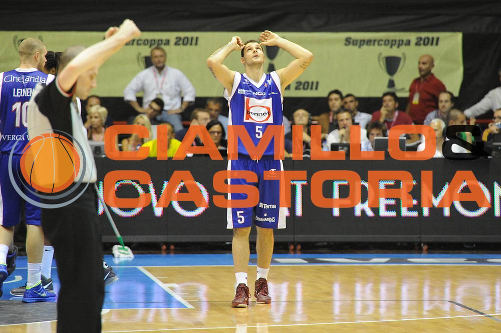 DESCRIZIONE : Forli Lega A 2011-2012 Supercoppa Italiana Montepaschi Siena Bennet Cantu<br /> GIOCATORE : Vladimir Micov<br /> CATEGORIA : delusione<br /> SQUADRA : Bennet Cantu<br /> EVENTO : Supercoppa Italiana 2011<br /> GARA : Montepaschi Siena Bennet Cantu<br /> DATA : 01/10/2011<br /> SPORT : Pallacanestro <br /> AUTORE : Agenzia Ciamillo-Castoria/GiulioCiamillo<br /> Galleria : Lega Basket A 2011-2012 <br /> Fotonotizia : Forli Lega A 2011-2012 Supercoppa Italiana Montepaschi Siena Bennet Cantu<br /> Predefinita :