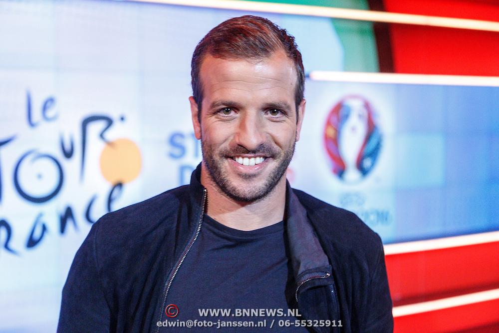NLD/Hilversum/20160526 - perspresentaties NOS Sportzomer 2016, EK Voetbal & Tour de France, Rafael van der Vaart