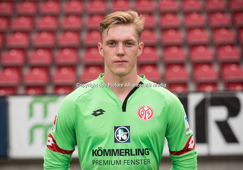 German Bundesliga - Season 2016/17 - Photocall FSV Mainz 05 on 25 July 2016 in Mainz, Germany: Florian Mueller (46). Photo: Andreas Arnold/dpa | usage worldwide