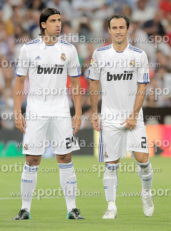 24.08.2010, Estadio Santiago Bernabeu, Madrid, ESP, Trofeo Santiago Bernabeu, Real Madrid vs Rosenborg, im Bild Real Madrid's Sami Khedira and Ricardo Carvalho during official presentation. EXPA Pictures © 2010, PhotoCredit: EXPA/ Alterphotos/ Alvaro Hernandez +++++ ATTENTION - OUT OF SPAIN / ESP +++++ / SPORTIDA PHOTO AGENCY