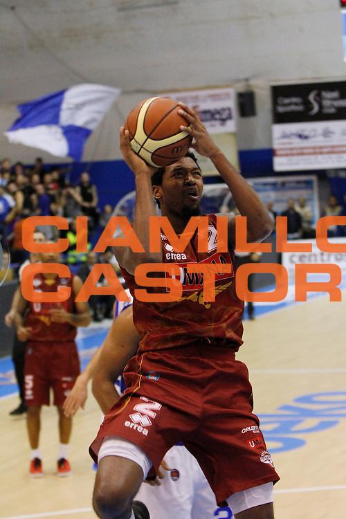 DESCRIZIONE : Capo dOrlando Lega A 2014-15 Orlandina Basket Umana Reyer Venezia<br /> GIOCATORE : JULYAN STONE<br /> CATEGORIA : PENETRAZIONE TIRO<br /> SQUADRA : Umana Reyer Venezia<br /> EVENTO : Campionato Lega A 2014-2015 <br /> GARA : Orlandina Basket Umana Reyer Venezia<br /> DATA : 11/01/2015<br /> SPORT : Pallacanestro <br /> AUTORE : Agenzia Ciamillo-Castoria/G.Pappalardo<br /> Galleria : Lega Basket A 2014-2015<br /> Fotonotizia : Capo dOrlando Lega A 2014-15 Orlandina Basket Umana Reyer Venezia