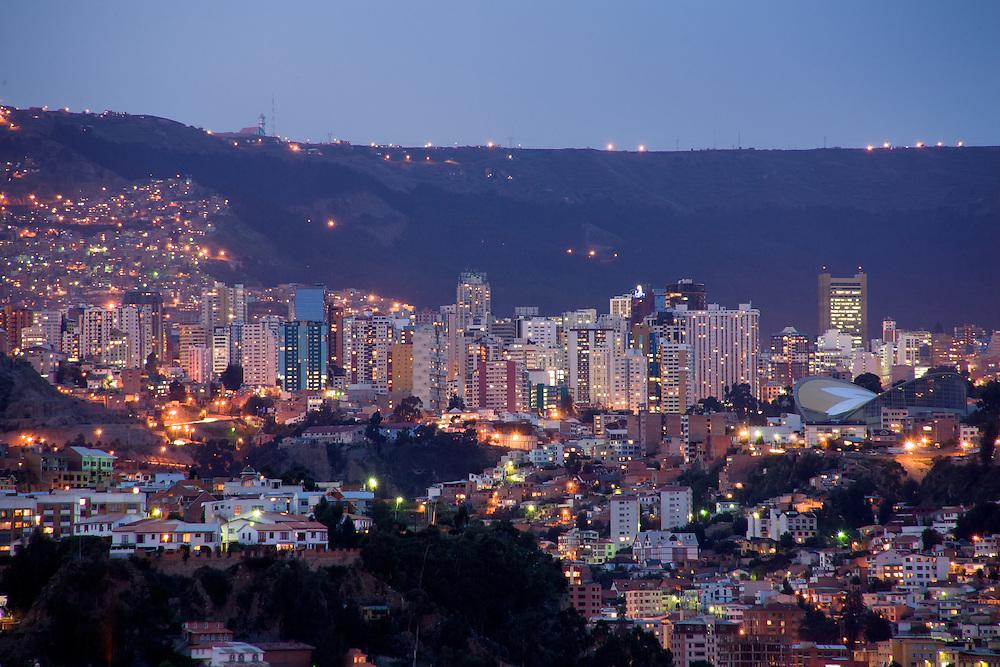 Bolivia, Panoramica Nocturna Sur-Norte - La Paz