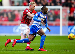 Sone Aluko of Reading and Hordur Magnusson of Bristol City in action - Rogan/JMP - 26/12/2017 - Ashton Gate Stadium - Bristol, England - Bristol City v Reading - Sky Bet Championship.