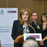 TOLUCA, Mexico.- La Senadora de la Republica, Ana Lilia Herrera Anzaldo, tomó protesta a los diputados que conforman el Grupo de Parlamentarios para el Habitat del Estado de México . Agencia MVT / Mario Vazquez de la Torre.