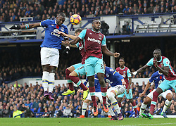 30.10.2016, Goodison Park, Liverpool, ENG, Premier League, FC Everton vs West Ham United, 10. Runde, im Bild Yannick Bolasie of Everton in action against West Ham United // Yannick Bolasie of Everton in action against West Ham United during the English Premier League 10th round match between FC Everton and West Ham United at the Goodison Park in Liverpool, Great Britain on 2016/10/30. EXPA Pictures © 2016, PhotoCredit: EXPA/ Focus Images/ Michael Sedgwick<br /> <br /> *****ATTENTION - for AUT, GER, FRA, ITA, SUI, POL, CRO, SLO only*****