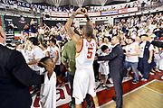DESCRIZIONE : Roma quarti di finale gara 3 playoff 2013-2014 Acea Roma Acqua Vitasnella Cantù<br /> GIOCATORE : Phil Goss Tifosi<br /> CATEGORIA : Tifosi Esultanza<br /> SQUADRA : Acea Virtus Roma<br /> EVENTO : quarti di finale gara 3 playoff 2013-2014<br /> GARA : Acea Roma Acqua Vitasnella Cantù<br /> DATA : 24/05/2014<br /> SPORT : Pallacanestro <br /> AUTORE : Agenzia Ciamillo-Castoria/GiulioCiamillo<br /> Galleria : playoff 2013-2014<br /> Fotonotizia : Roma quarti di finale gara 3 playoff 2013-2014 Acea Roma Acqua Vitasnella Cantù<br /> Predefinita :