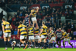 Mitch Eadie of Bristol Rugby competes with Josh Turnbull of Cardiff Blues at the lineout - Rogan Thomson/JMP - 14/10/2016 - RUGBY UNION - Ashton Gate Stadium - Bristol, England - Bristol Rugby v Saracens - EPCR Challenge Cup.