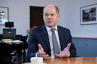 21 NOV 2018, BERLIN/GERMANY:<br /> Olaf Scholz, SPD, Bundesfinanzminister, waehrend einem Interview, in seinem Buero, Bundesministerium der Finanzen<br /> IMAGE: 20181121-01-009<br /> KEYWORDS: B&uuml;ro