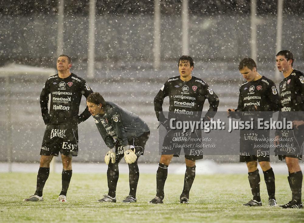 FC Lahti tappion jälkeen, vas. Rafael, Juha Tuomi, Jari Litmanen, Jarkko Värttö, Tennant McVea. FC Lahti - Jaro. Veikkausliiga. Lahti 17.4.2010. Photo: Jussi Eskola